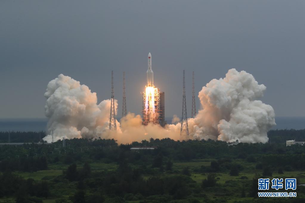 中国空间站天和核心舱在海南文昌发射