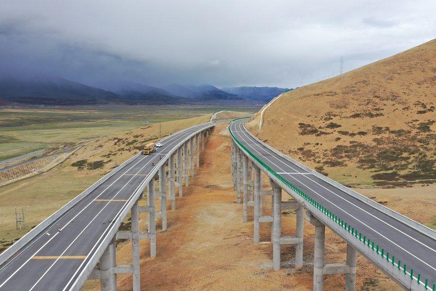 """见证""""西藏速度"""":道桥建设激活""""世界屋脊""""活力"""